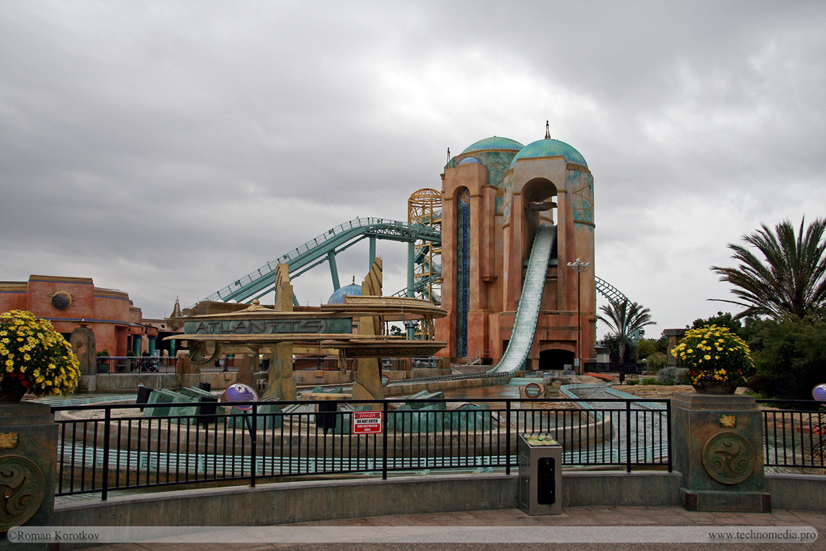 Парк океанариум Sea World Сан-Диего, горка Atlantis