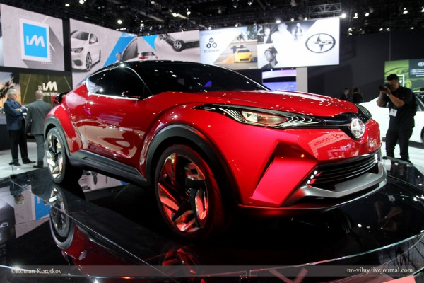 автомобиль Scion C-HR