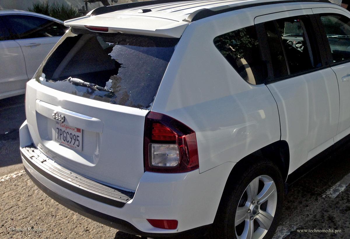 ограбление, разбитое стекло в машине